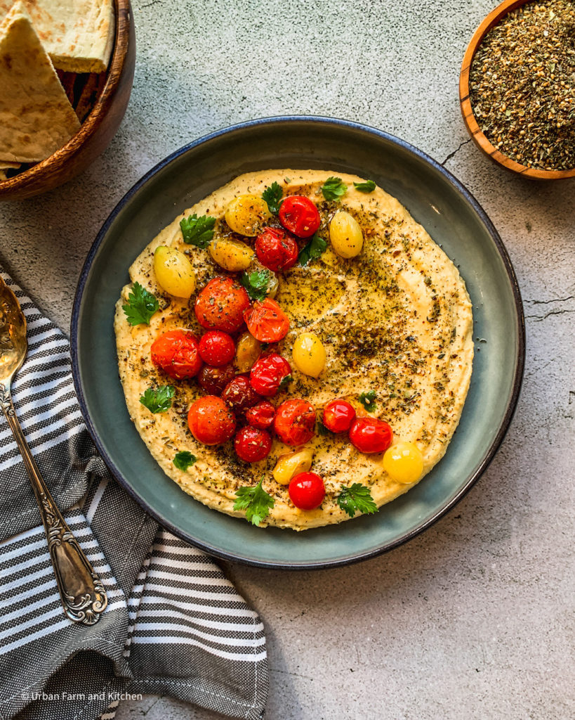 hummus with tomatoes