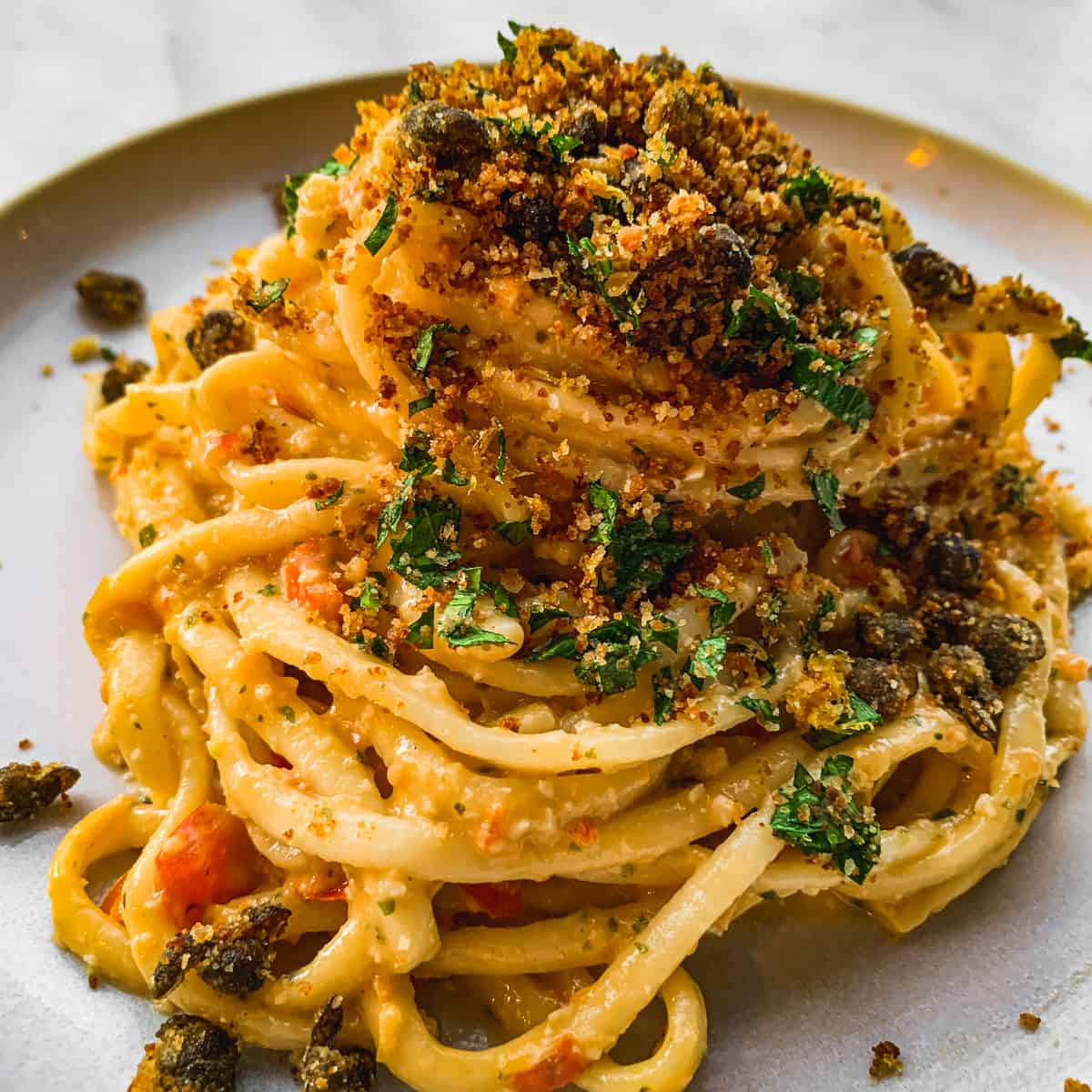 Linguine pasta with Sicilian pesto and fried capers on top